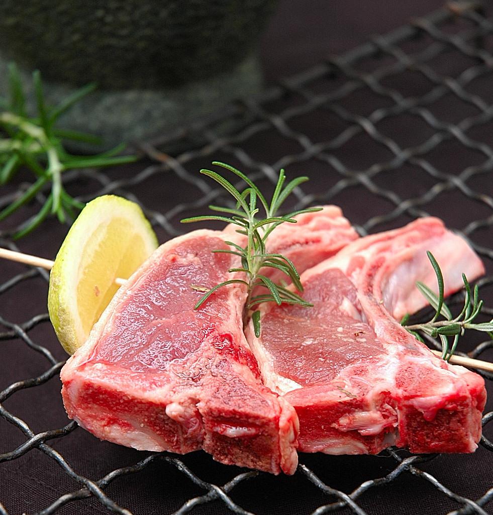 lamb chops and other lamb chop recipes at epicurious com